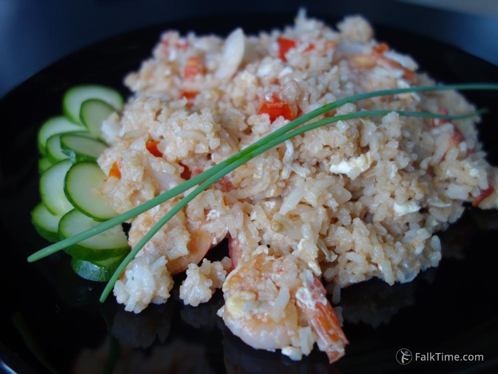 Khao pad with prawns
