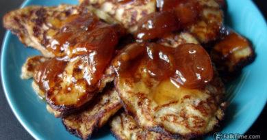 Banana pancakes with jam