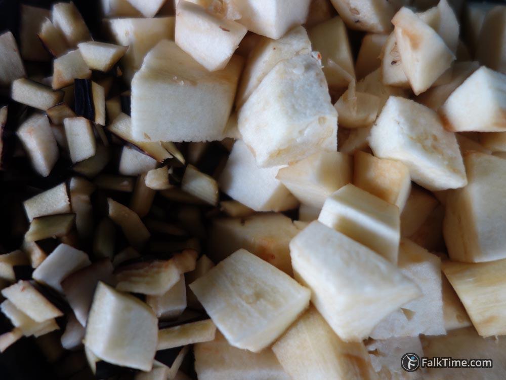 Cut eggplants, recipe of zalouk
