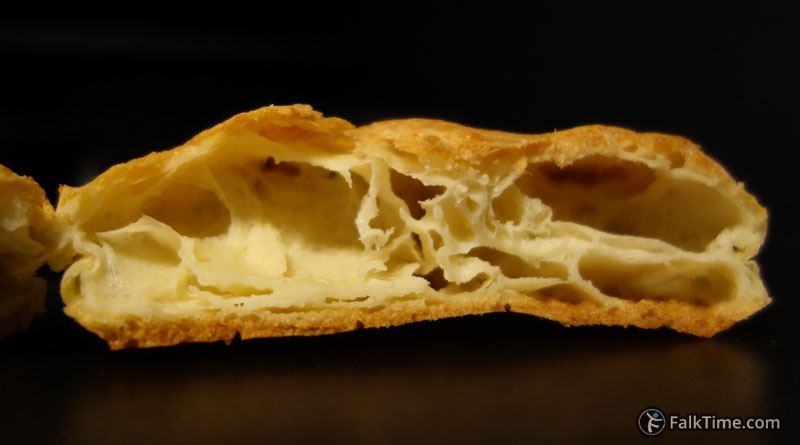 Hollow choux pastry
