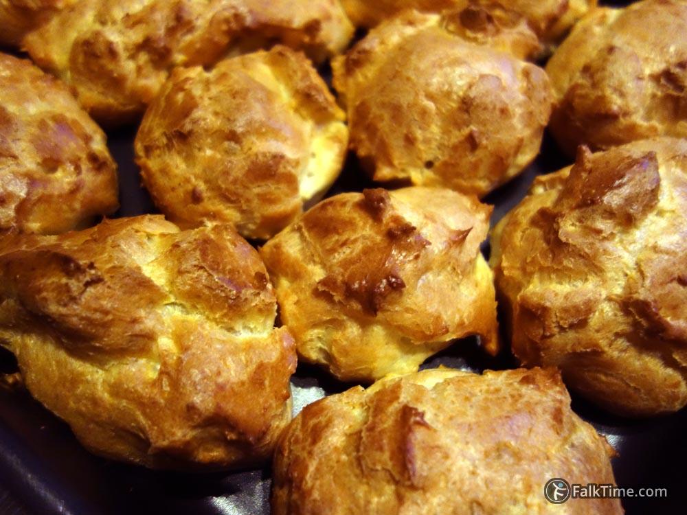 Profiteroles, choux pastry dough recipe