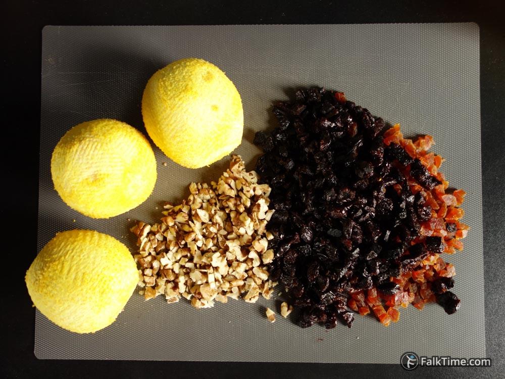 Oranges, chopped prunes, dried apricots, walnuts