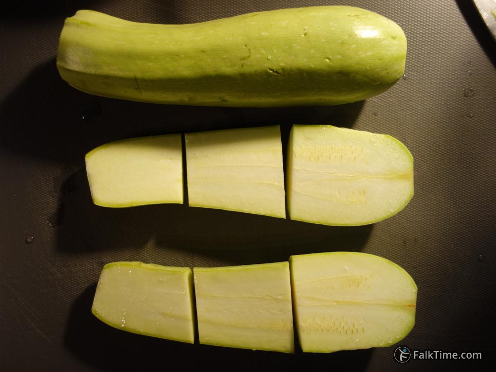 Cut courgette with pieces