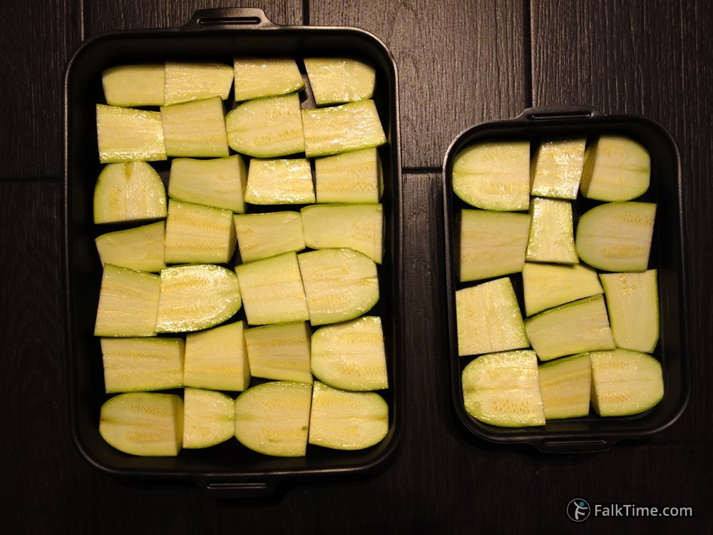 Fill the tray with courgettes