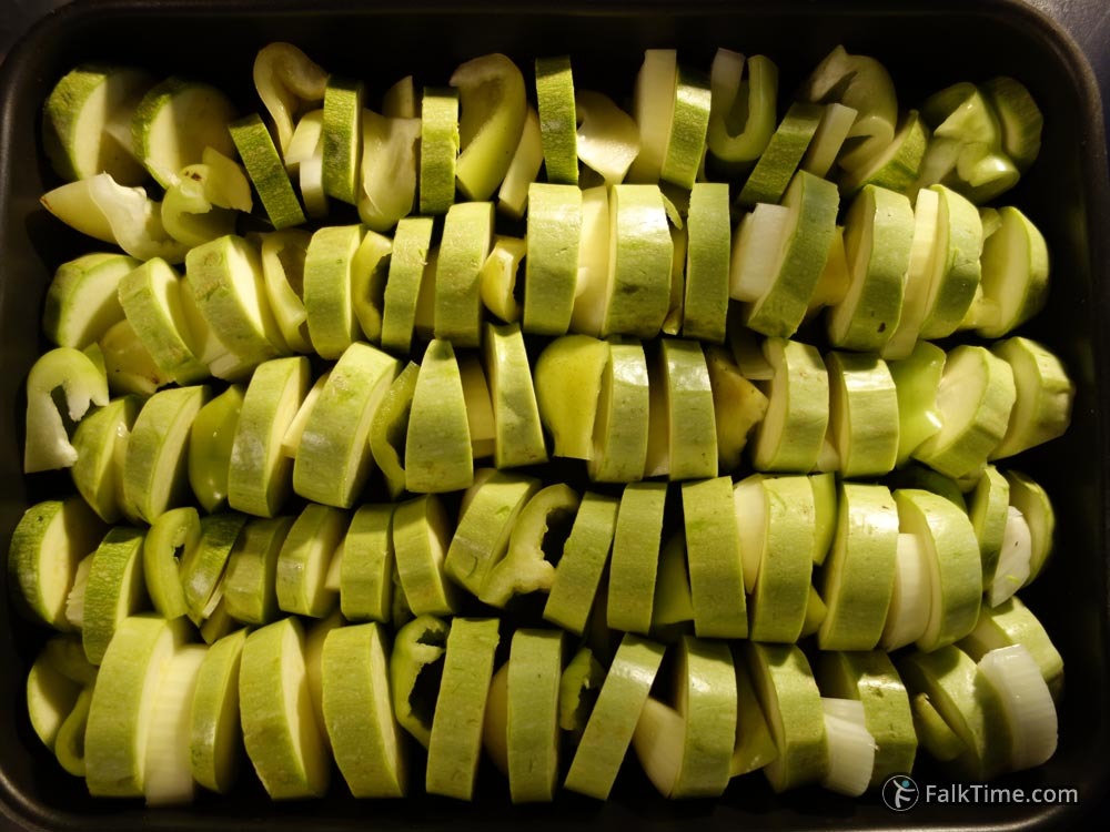 Courgettes, bell peppers, onions