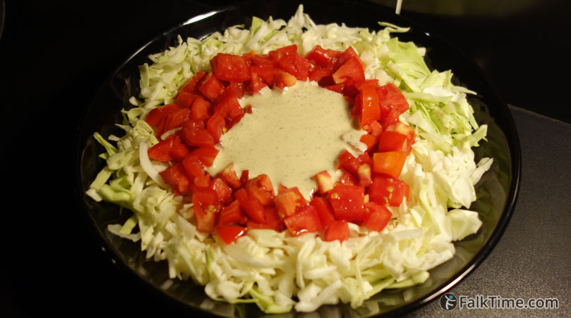 Cabbage salad with garlic dressing